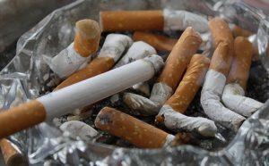 co-zakwasza-organizm-papierosy